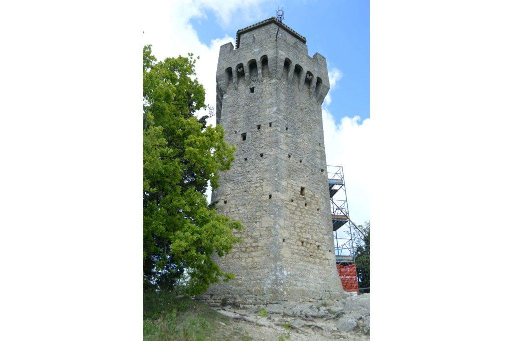 Tercera Torre (Montale)
