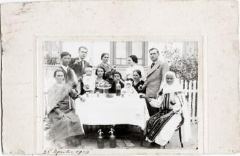 Grup, 25 aprilie 1938