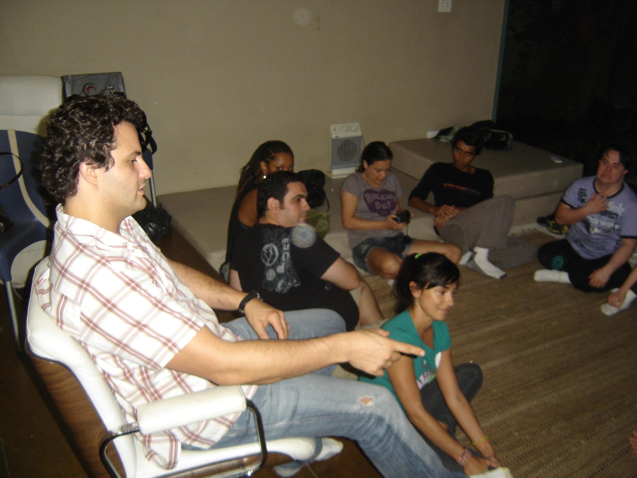 O diretor Marcelo Galvão no comando da turma