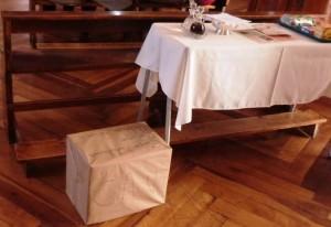 Foto 03 Caja solidaria entregada como ofrenda en la misa