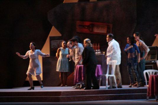 Escena de la ópera La Mina de Oro