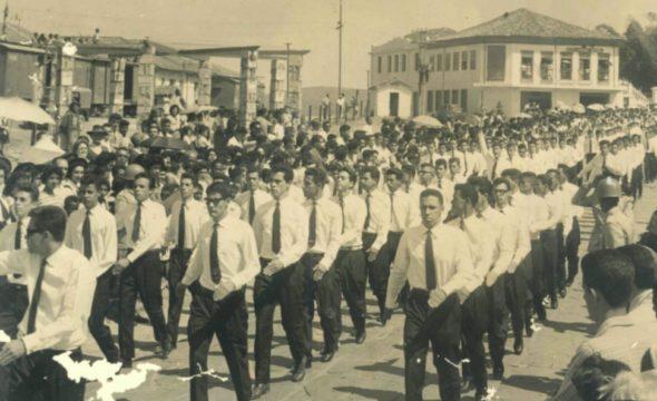 Desfile-do-colégio-07-09-1961