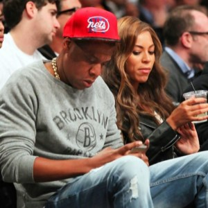jay_z_beyonce_dating_distraction