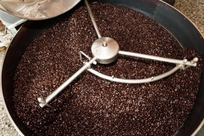 dark roast coffee, dark roast has less caffeine, dark roast high temperature, dark roast less acidic