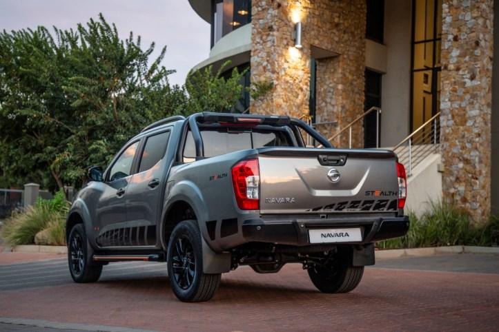 Nissan Navara Stealth-235