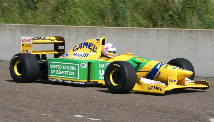 1885666_Lorina McLaughlin driving her Benetton B192 (Photo by Ignition)