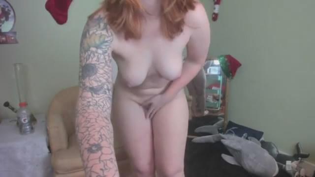 Ruiva rebolando pelada – Webcam amadora