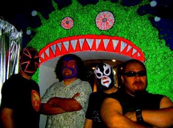 ¡Saca tu mascara que viene Lost Acapulco!