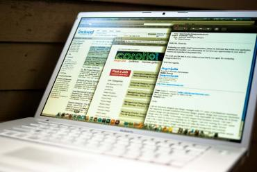 Cómo conseguir empleados en línea