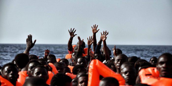Una nave di migranti