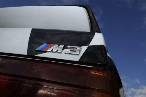 BMW-M3-E30-Ring-Taxi-Baujahr-1987-19-fotoshowImageNew-449c520d-272615