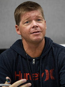 220px-Rob_Liefeld,_Amazing_Arizona_Comic_Con,_2014