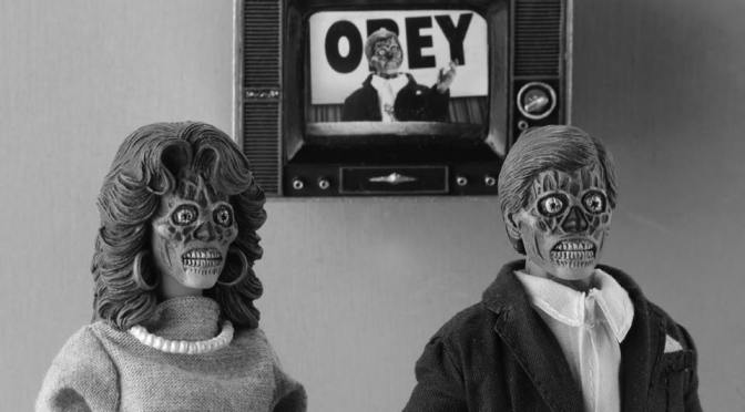 They Live – 8″ Clothed Action Figures – Alien 2 Pack