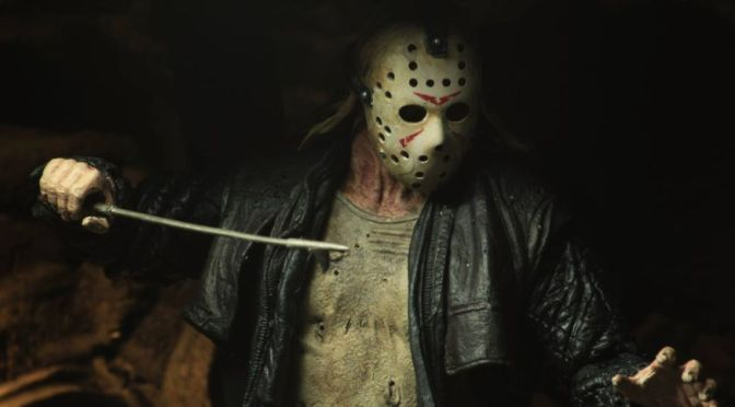 NECA-Ultimate-2009-Jason-Voorhees-013-928×483