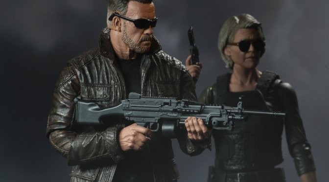 Final packaging photos for theTerminator: Dark Fate Sarah Connor and T-800