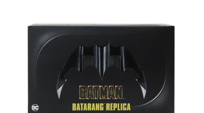 Packaging Reveal the 89′ Batman Batarang!
