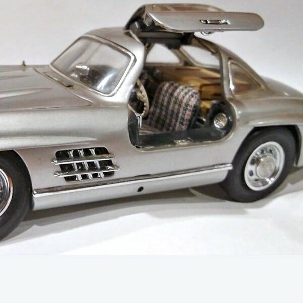 Mercedes 300SL Gullwing Model interior view