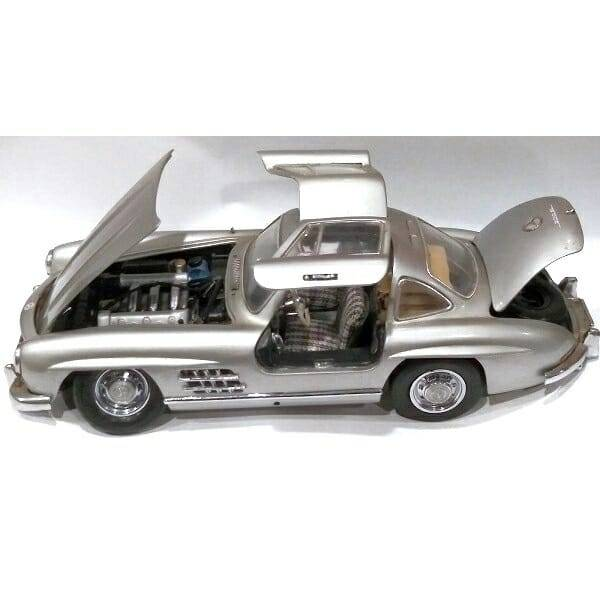 Mercedes 300SL Gullwing Model side view