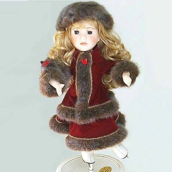 Christmas Musical Ice-Skater Doll pic2