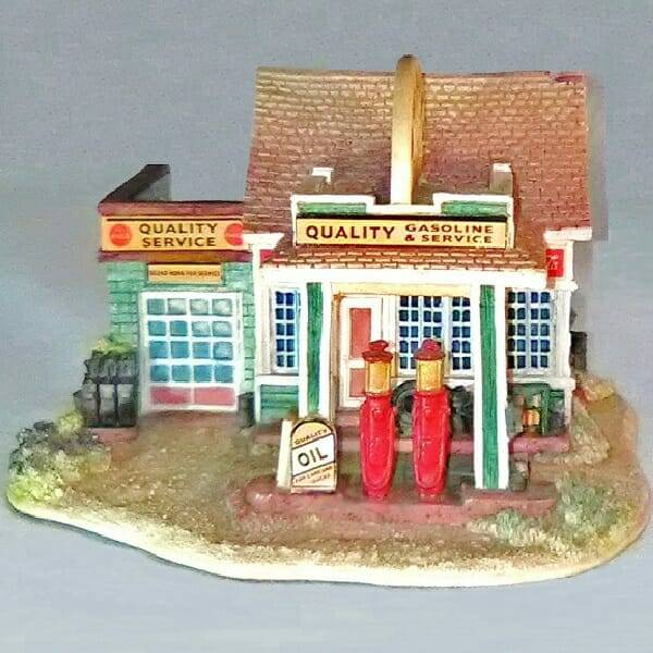 Lilliput Lane Coca-Cola Gas Station front view