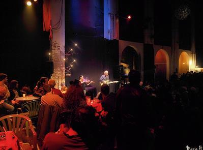 Du squat au rachat collectif : La Chapelle appelle aux dons