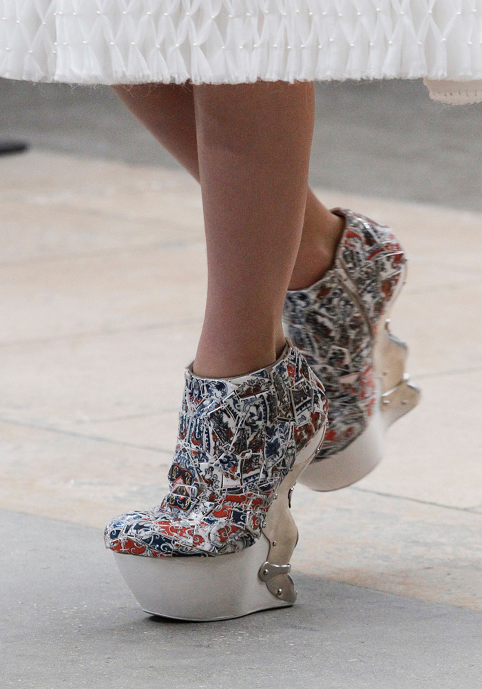LI-Xiaofeng-Alexander McQueen-FW2011-Shoe