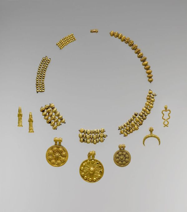 Necklace Pendants And Beads Babylonian