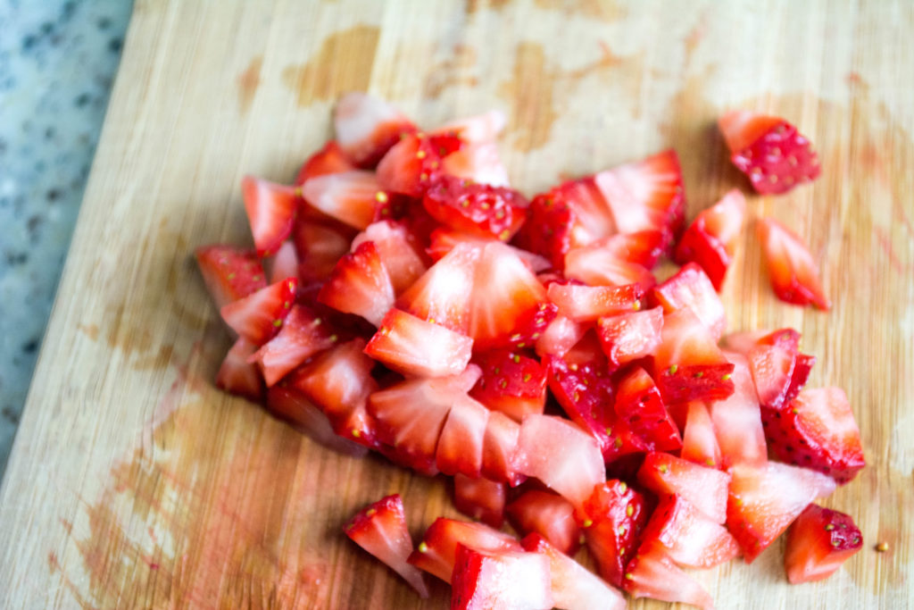 CHOP STRAWBERRIES