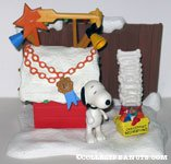 Snoopy & his Doghouse Christmas playset