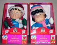 Animated Linus and Lucy Carolers