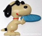 Joe Cool Throwing Frisbee Magnet