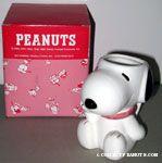 Snoopy holding chin figural mug