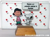 Snoopy & Lucy with Hearts Glass Picture in Stand