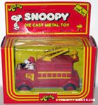 Snoopy driving Fire Engine - large figure