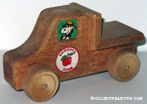 Snoopy's Farm Wooden Truck
