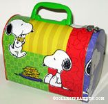 Snoopy eating cookies domed lunchbox