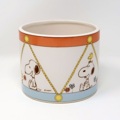 Snoopy and Woodstock drum themed planter