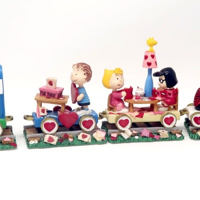 Peanuts Valentine's Day Train