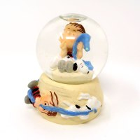 Snoopy and Linus Snowglobe