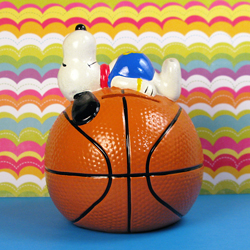 Click to view Snoopy Sports Banks