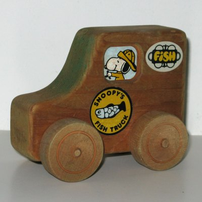 Snoopy Fish Truck Wooden Toy