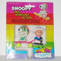 Charlie Brown & Snoopy interchangeable figures and Skateboard