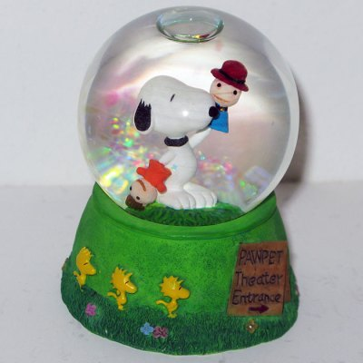 Snoopy Pawpet Theater Snow Globe