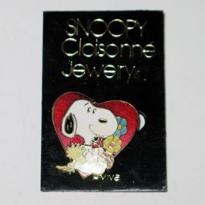 Snoopy and Woodstock with Heart and Flowers Pin