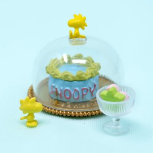 Snoopy's Fancy Cake & Candies