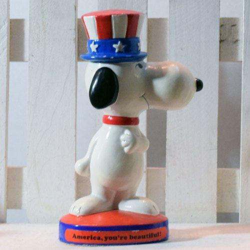 American Snoopy Figurescene