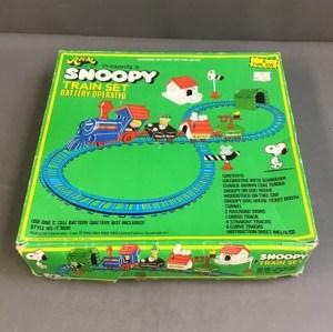 Aviva Snoopy Train Set