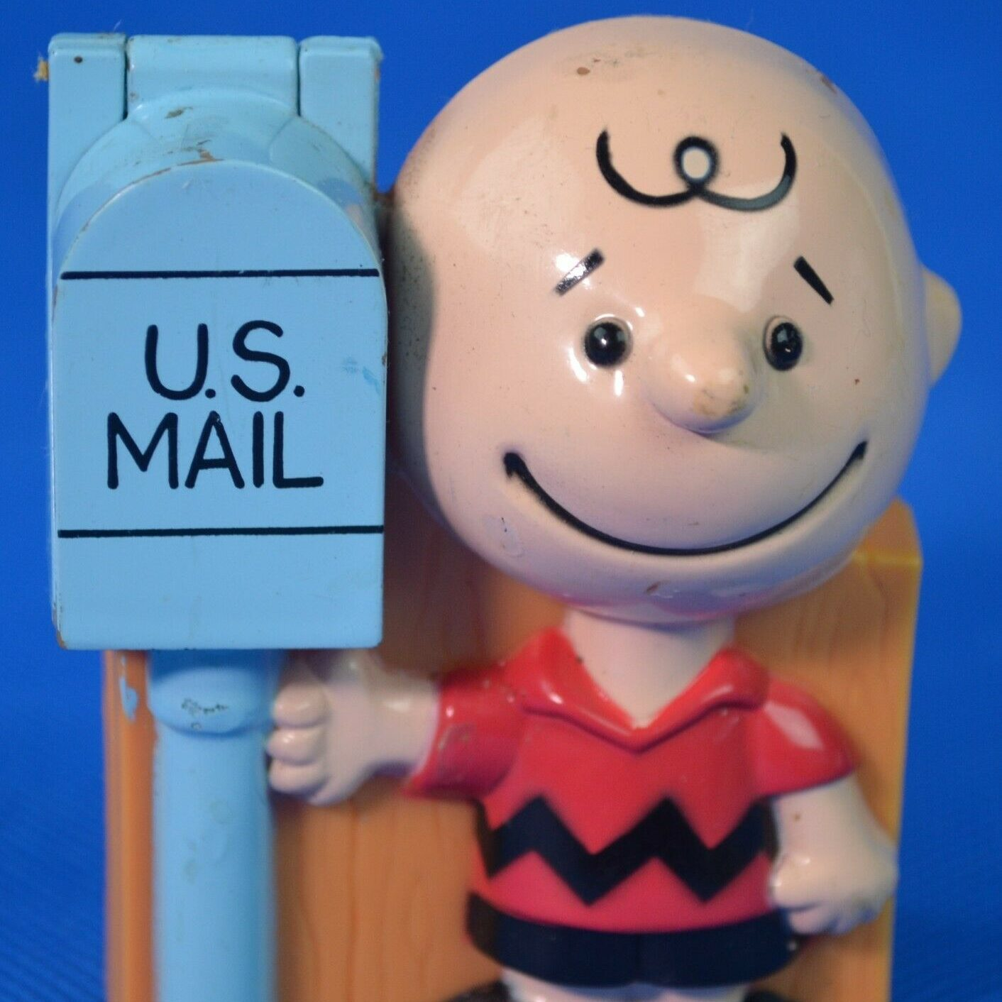Charlie Brown Gumball Dispenser