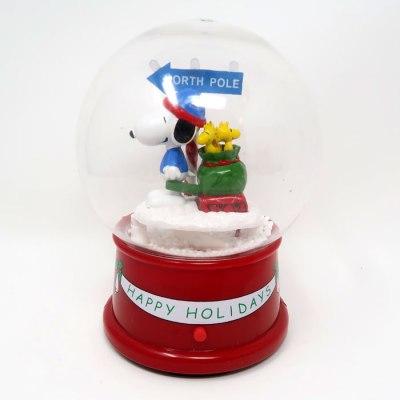 Snoopy North Pole Christmas Snow Globe