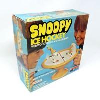Snoopy Ice Hockey Snap-tite Model